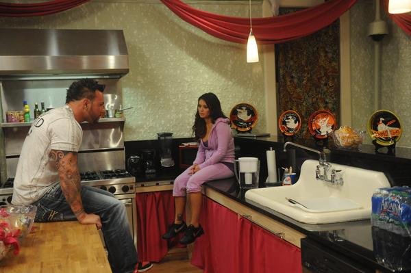 Roger and JWOWW have a talk.