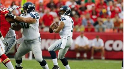 Rookie QB Russell Wilson sharp as Seahawks roll over Chiefs 44-14