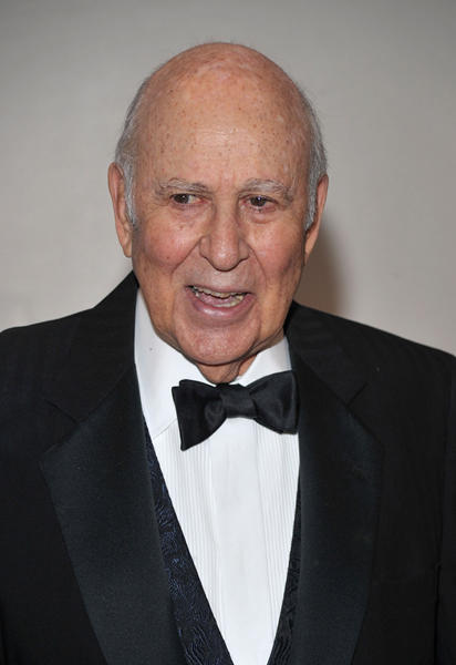 "Producer <a class=""taxInlineTagLink"" id=""PECLB003511"" title=""Carl Reiner"" href=""/topic/entertainment/carl-reiner-PECLB003511.topic"">Carl Reiner</a> is a very dashing 90 today."