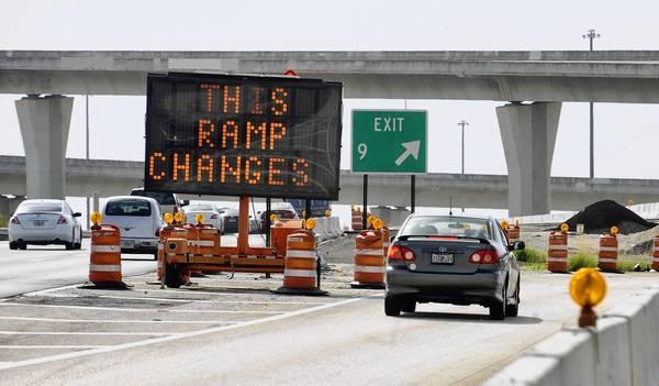 .A sign alerts eastbound I-595 motorists of the upcoming SR 84 ramp change beginning Aug. 27.