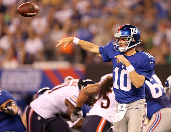 Giants quarterback Eli Manning has plenty of time to pass against the Bears on Friday.