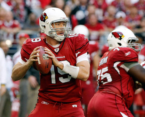 Arizona Cardinals quarterback John Skelton, who replaced an injured Kevin Kolb, plays against the San Francisco 49ers in the first quarter of their NFL game in Glendale, Arizona, December 11, 2011. The Cardinals defeated the 49ers 21-19.