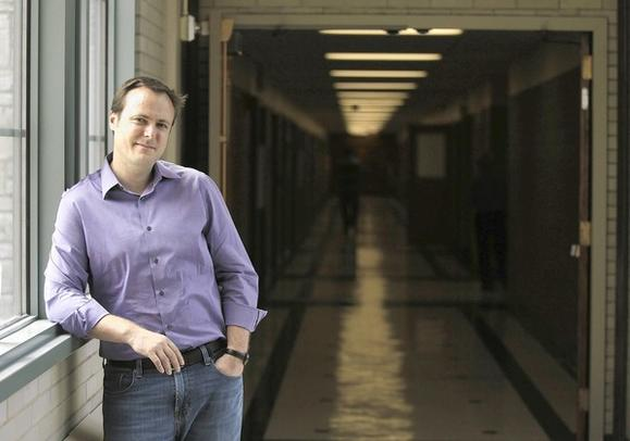 Cancer researcher Regan Thomson brings art to the science conducted in his Northwestern University lab.