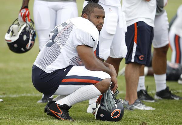 The Bears got no sacks last season from Lance Briggs and his fellow linebackers.