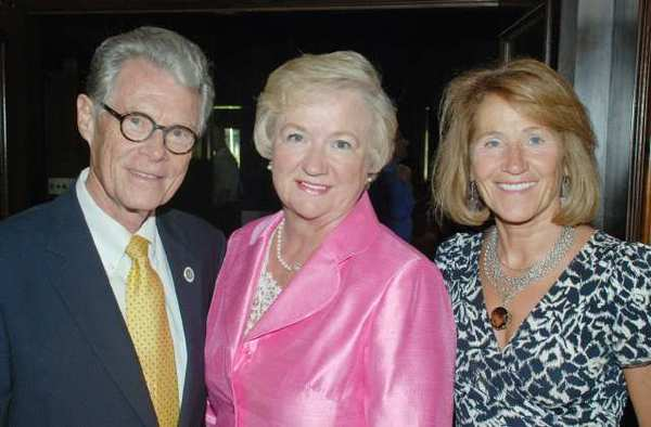 Kiwanis 2012 Gala Chairwoman Marsha Jackson, center, with honorees, Ken and Rose Nielsen arriving at Lakeside Golf Club for the organizations 15th Annual Gala.