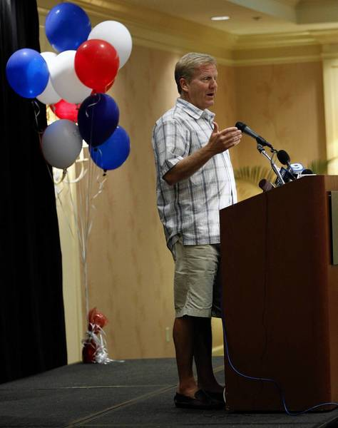 House Republican Leader Tom Cross address the Illinois delegation in Clearwater Beach, Fla., on Monday.
