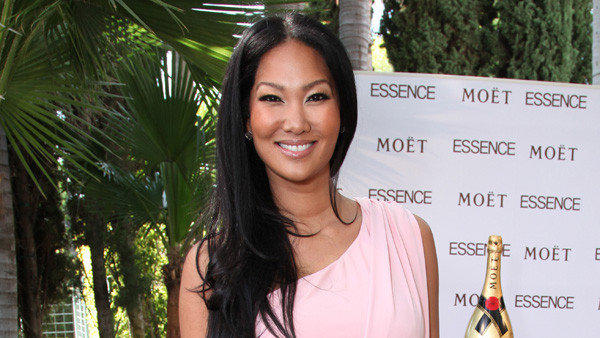 "<a href=""https://twitter.com/OfficialKimora/status/241255114256564224"" target=""_blank""><strong>@OfficialKimora</strong></a>: ""Devastated by the death of Chris Lighty.... we all love you so much! RIP friend...."""