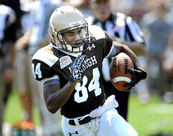 Lehigh's Derek Knott runs for a touchdown in the first half against Monmouth on Saturday, September 1, 2012.