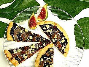 Spread fig marmalade on flatbread and top with strips of prosciutto and crumbled blue cheese for a distinctive pizza.