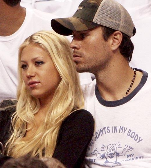 The Russian tennis pro and the Latin pop star have been dating since 2001.