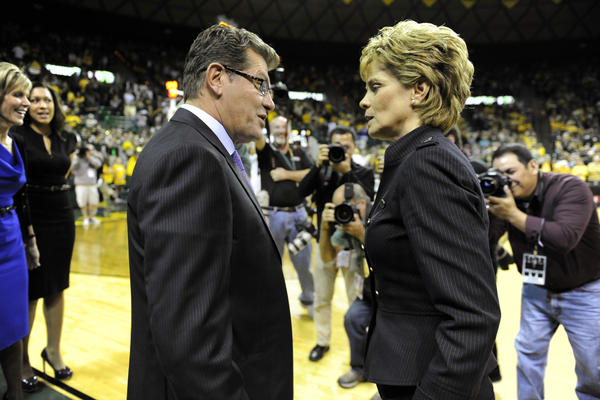 Coach Geno Auriemma has to know the UConn-Baylor game will be the game of the century (2012-13 version). The Bears and coach Kim Mulkey could have an undefeated streak of about 64 or 65 coming in. Who holds the NCAA Division I record for such things? Hmmm.