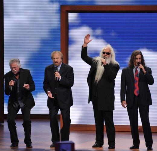 From Gene Simmons to Robert Duvall: Famous Mitt Romney supporters: The band played the main stage at the Republican National Convention. Before playing, they said Its an honor and a pleasure for the Oak Ridge Boys to be here to represent our great party and to represent Mitt Romney and Paul Ryan for the next president and vice president of the United States.