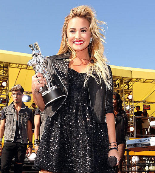 MTV VMAs 2012: Best and worst moments: We are all out of snark! In the midst of a red-carpet show so disorganized it was hard to watch, Demi Lovato was definitely a highlight. She hit the carpet for a performance that didnt require pyrotechnics, acrobatics, or elaborate costumes -- and, in a refreshing move, she sang live. To top it all off, she won her first Moon Man, for Best Video With a Message, right after. The more we see of her, the more were looking forward to watching her on The X Factor.  -- Carina Adly MacKenzie, Zap2it
