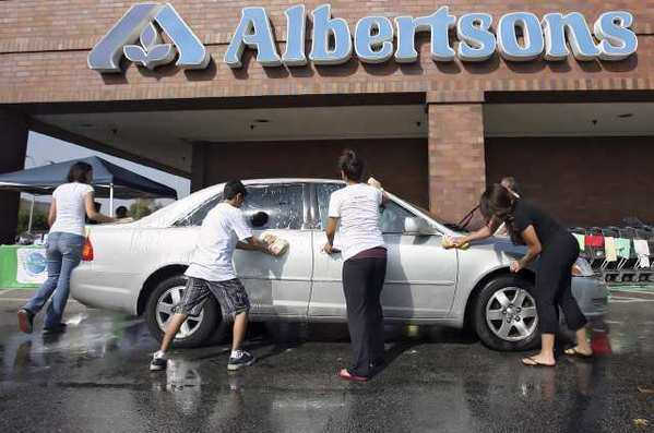 An Ark Family Center Car Wash fundraising event at the Albertsons parking lot in 2009.