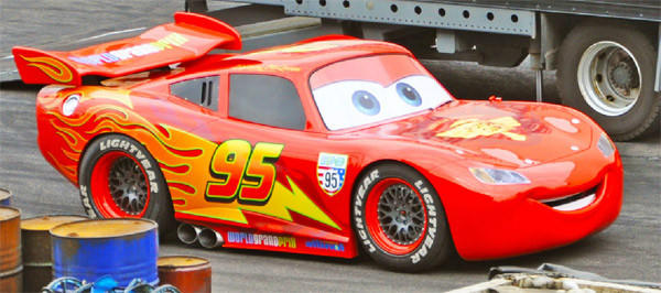 This half-hour stunt car show features Lightning McQueen from Pixar's Cars films.