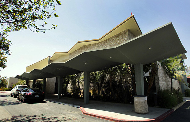 The Hawthorne Municipal Airport on Crenshaw Boulevard covers 80 acres along the Century Freeway. Northrop Aircraft Corp. used the site as a design, manufacturing and test center during World War II and the post-war years, when aviation was a booming industry in Southern California.(Luis Sinco / Los Angeles Times)