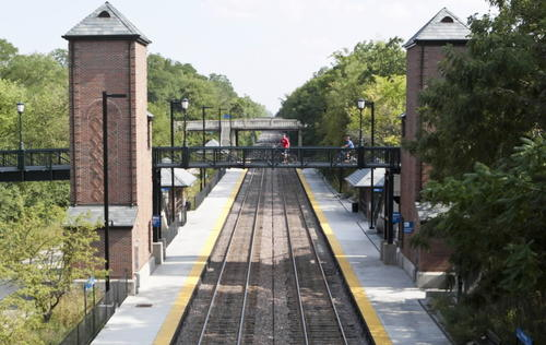 Three Metra train stations serve Winnetka. Pace runs two buss routes through the village.