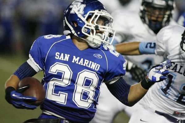 San Marino's Andrew Cordova carries the ball against Crescenta Valley.