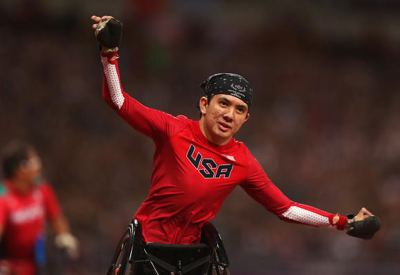 Raymond Martin celebrates his fourth Paralympic gold medal.  (Michael Steele / Getty Images)