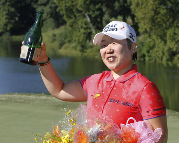 Jiyai Shin celebrates winning the Kingsmill Championship.