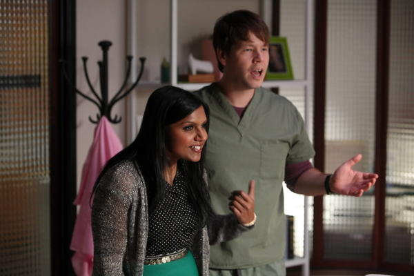"Chicagoan Ike Barinholtz and Mindy Kaling on ""The Mindy Project."""