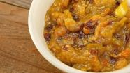 Apple chipotle chutney