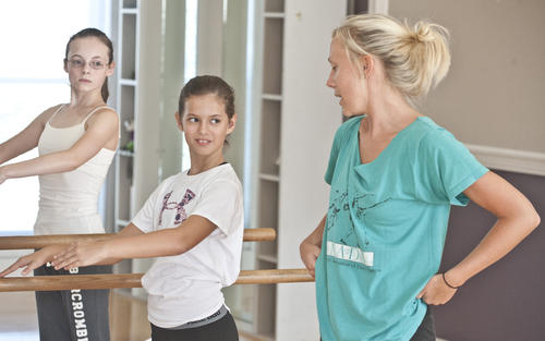 Photo Gallery: Dance class at Bunny Davis