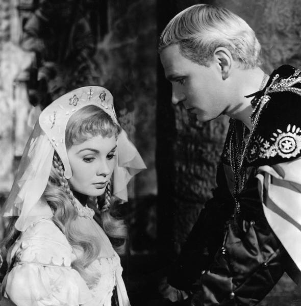"Laurence Olivier was about 40 in the 1948 version of ""Hamlet"" (with Jean Simmons as Ophelia). The Prince of Denmark is actually about 30 in Shakespeare's play."