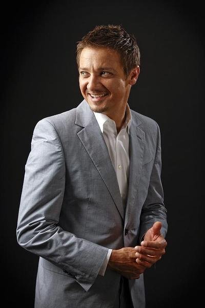 "Jeremy Renner keeps ""The Bourne Legacy"" going as star of the latest film in the franchise. <br /> MORE: <a href=""http://herocomplex.latimes.com/?p=81161"" target=""_blank"">`Bourne Legacy¿ star Jeremy Renner on `Avengers¿ action and more</a>"