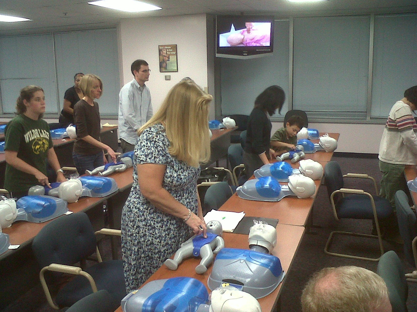 Howard county residents learn cpr in columbia columbia flier xflitez Image collections