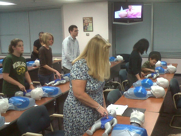 County sponsors free CPR and choking relief training class
