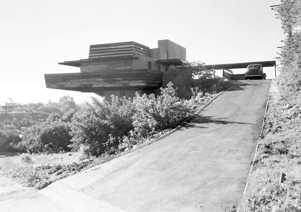 A 1947 photo by Pedro Guerrero shows the  George Sturges House by Frank Lloyd Wright.