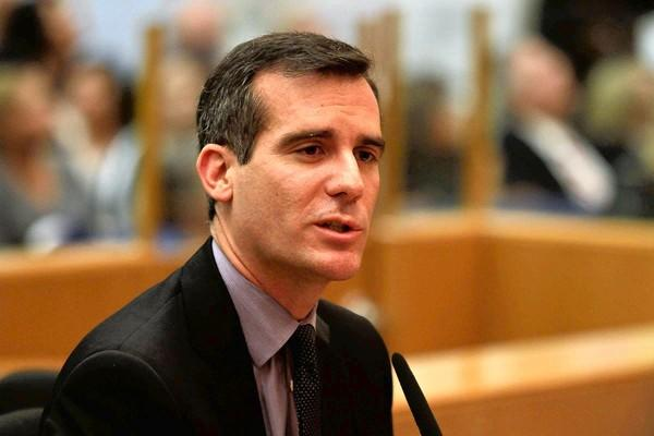 "Los Angeles City Councilman Eric Garcetti said that if elected mayor, he would put an emphasis on expanding the green technology sector and on ""growing the shores of Silicon Beach."""
