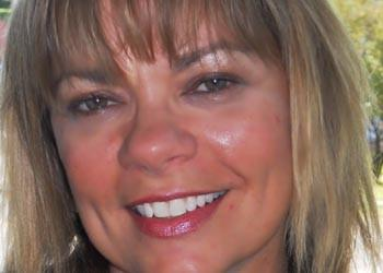 Cindy Finnerman has joined the Coldwell Banker Residential Brokerage in the Edgebrook office. She specializes in estate and senior citizen sales, pre-foreclosures, short sales, new construction and developments.  A graduate of Ray Vogue School of Design, Finnerman brings 25 years of real estate experience to Coldwell Banker.