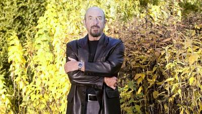 Ian Anderson hits the Bricks