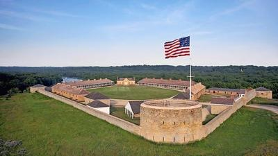 Ft. Snelling: Citadel on a Minnesota bluff