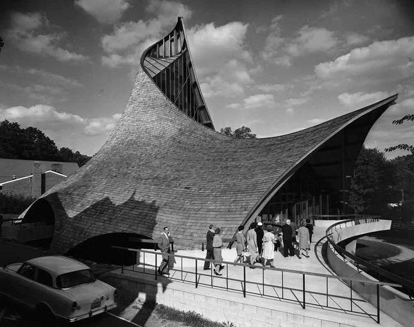 United Church of Rowayton, Rowayton, Conn. Designed in 1962 by architect Joseph P. Salerno, photographed in 1962.