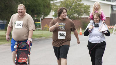 Biggest Loser contestants compete in local 5K