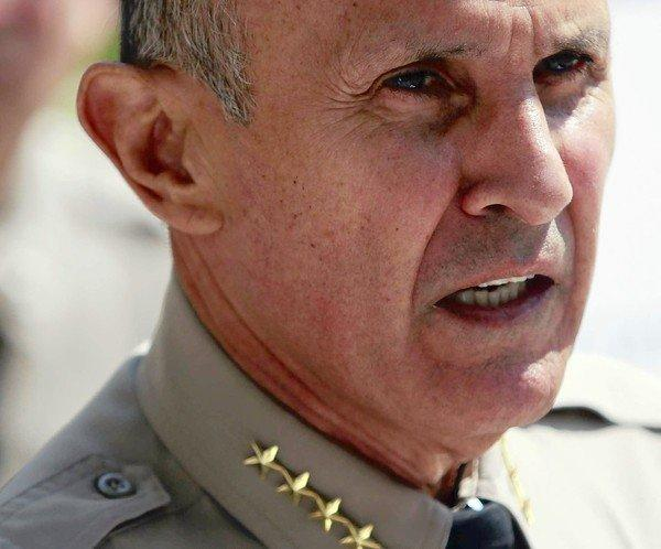 Investigators with a commission examining jail violence depict L.A. County Sheriff Lee Baca as a disengaged and uninformed manager who failed to prevent abuse of inmates by deputies.