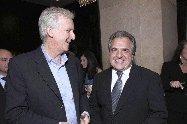Jim Gianopulos, right, with director James Cameron.