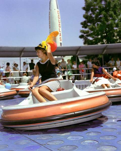 Flying Saucers (1961-1966) at Disneyland: Guests rode personal flying saucers on a cushion of air. A newer version of the attraction opened this year at Cars Land, called Luigi's Flying Tires.