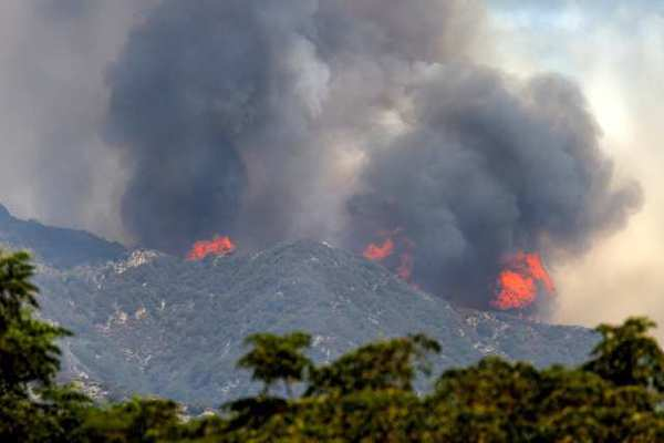 The Station fire burning above La Canada Flintridge in September 2009.