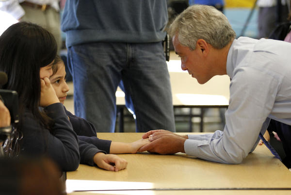 Mayor Rahm Emanuel chats with students in a cafeteria during morning breakfast at Frederic Chopin Elementary School, 2450 W. Rice St., today on the first day back to school following the teachers strike. José M. Osorio, Chicago Tribune