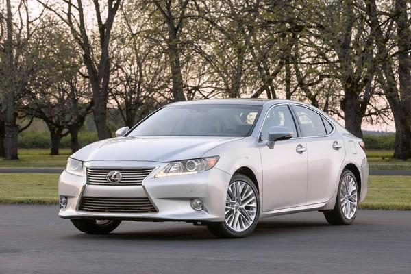2013 Lexus ES' styling gets an adrenaline shot