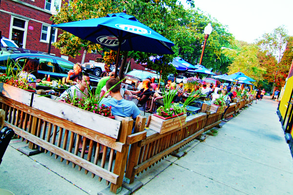 Sidewalk seating at T's
