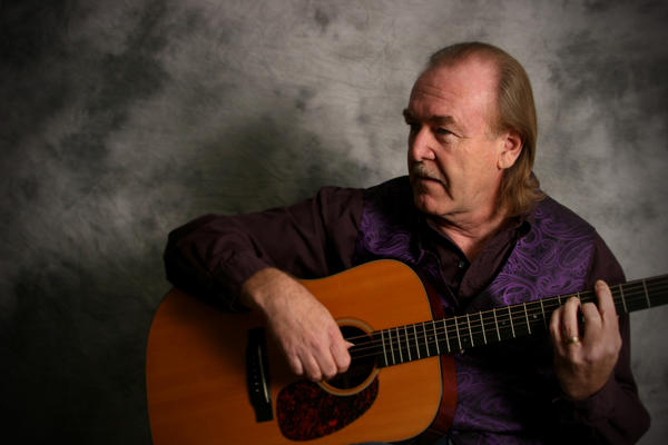 Mike Fornes of Mackinaw City will perform Monday, Sept. 24, at the Charlevoix Public Library.