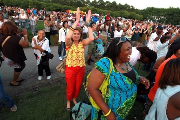 Fans at Jennifer Hudson's Taste of Chicago performance