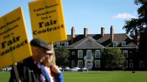 "<b><big>Like in Chicago, teachers in Lake Forest hit the picket lines for a new contract</big></b><br><a href=""http://www.chicagotribune.com/news/local/suburbs/lake_forest/chi-120919lake-forest-teachers-strike,0,2982539.story""target=""_blank"">Read the full story>></a>"