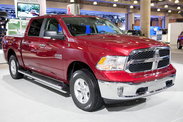 "<a href=""/business/sns-mct-2013-ram-1500-slt-review-20120922,0,4303372.story"">Mark Phelan of the Detroit News / Detroit Free Press writes:</a> Until now, V6 pickups were generally low-priced base models with little power or appeal. The Ram changes that, with a long list of advanced features and a correspondingly high price. <a href=""/business/sns-mct-2013-ram-1500-slt-review-20120922,0,4303372.story"">Full review</a>"