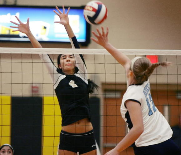 Lindsey Owens, shown during a game against Tampa Berkeley Prep, helped Bishop Moore to wins over Tampa Prep and P.K.Yonge in the Tampa Berkeley Premier tournament on Friday. (Stephen M. Dowell/Orlando Sentinel)